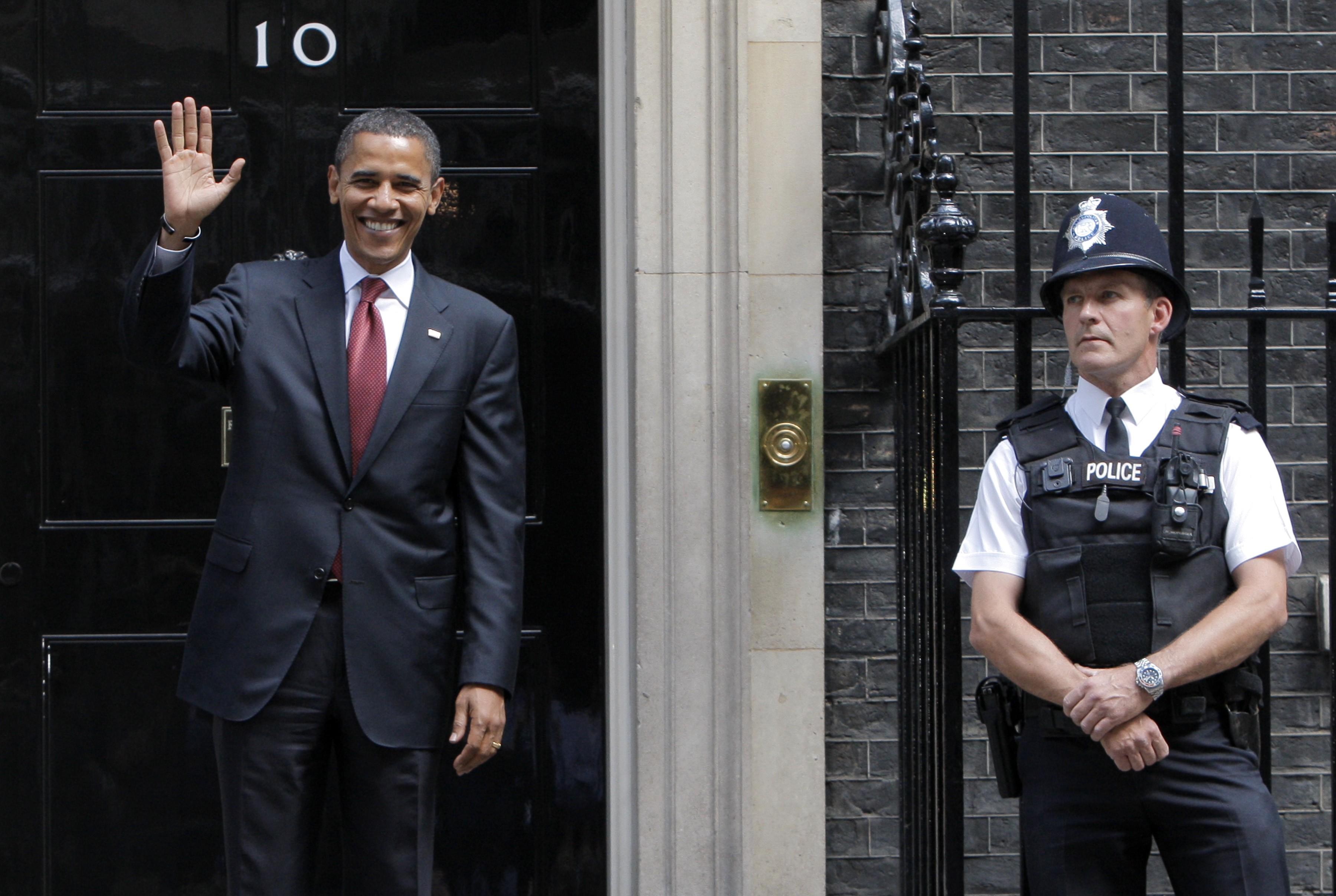 Obama visits Downing St. 2008